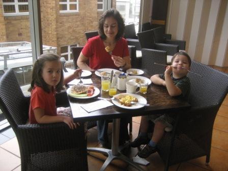 Breakfast at hotel Terraces on Wickham
